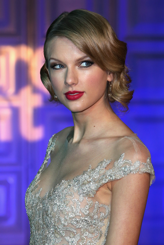 TAYLOR SWIFT make-up